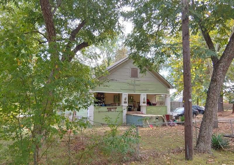 Photo of home for sale at 1408 Gay St, Longview TX