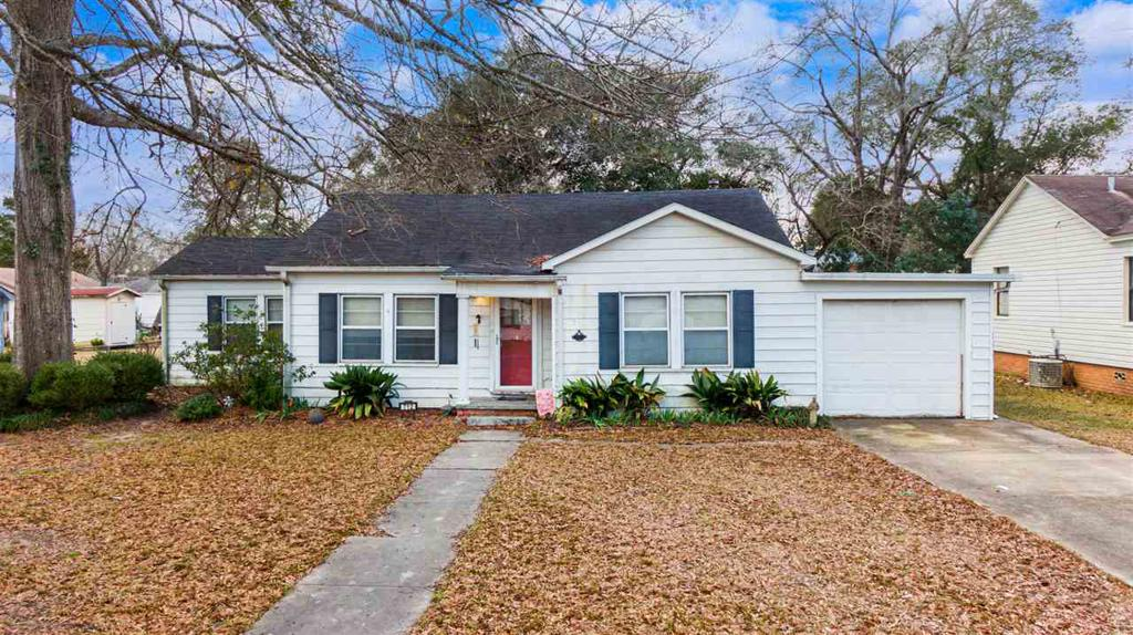 Photo of home for sale at 712 Turner St., Kilgore TX