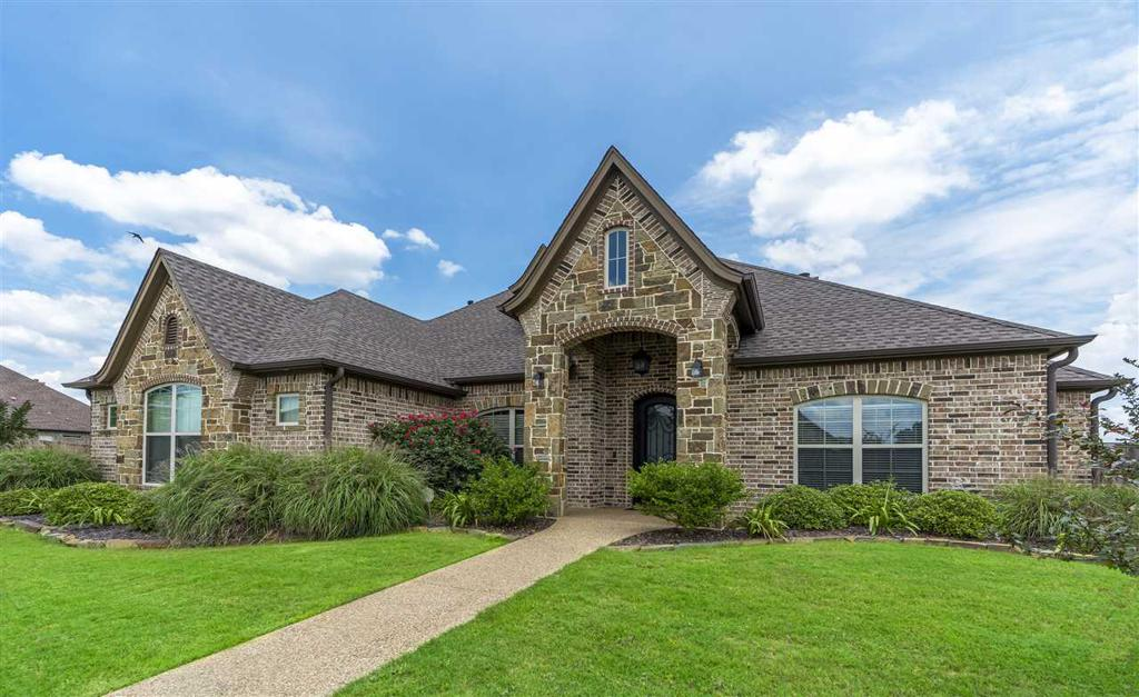 Photo of home for sale at 116 New Braunfels, Hallsville TX