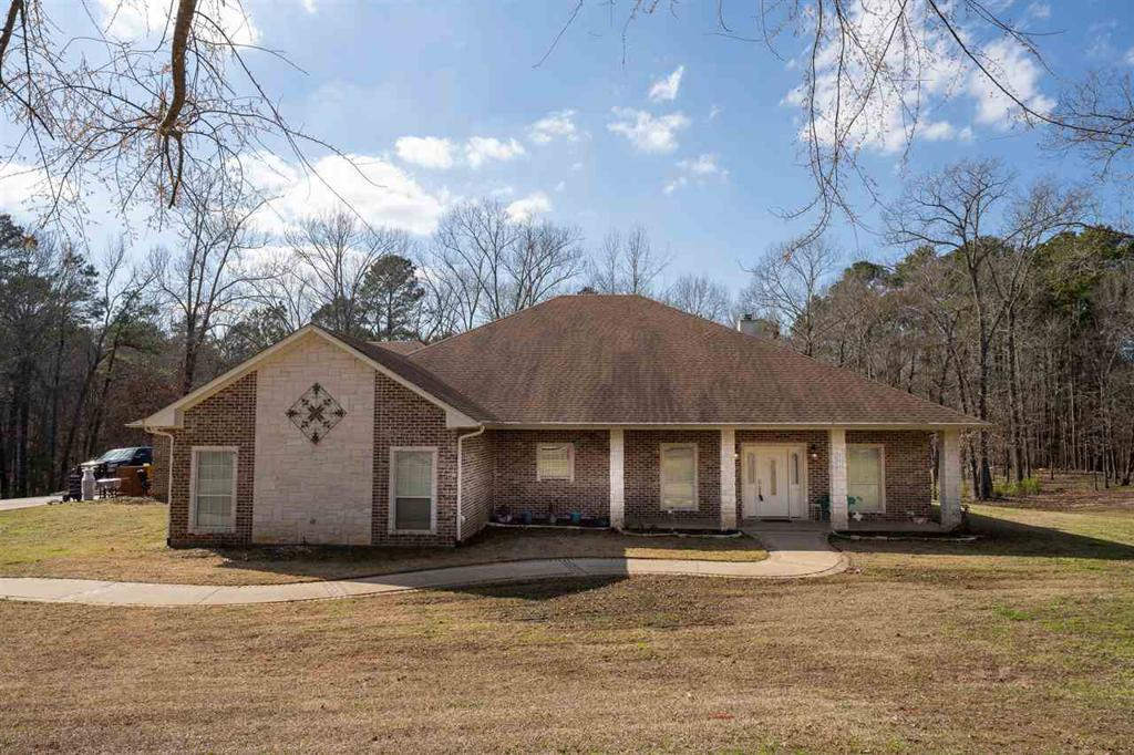 Photo of home for sale at 200 King Ranch RD, Kilgore TX