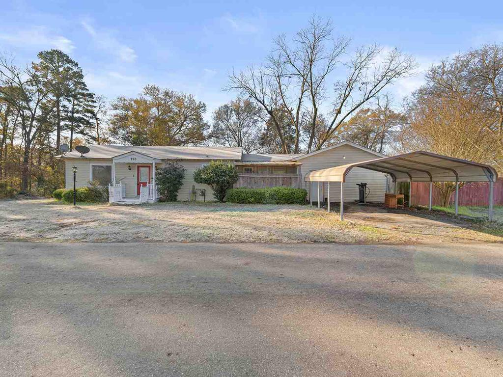 Photo of home for sale at 201 IRIS ST, Ore City TX