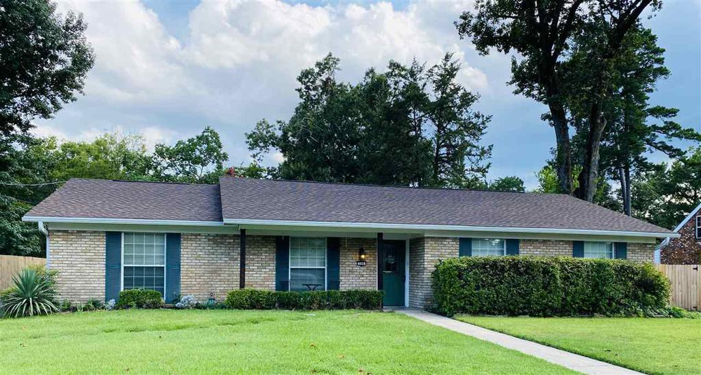 Photo of home for sale at 306 Rick Dr., Longview TX
