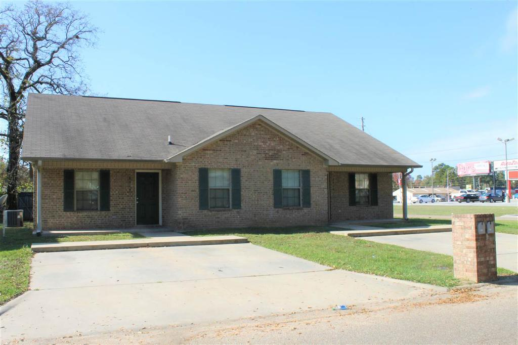 Photo of home for sale at 2415 Laurel, Tex AK