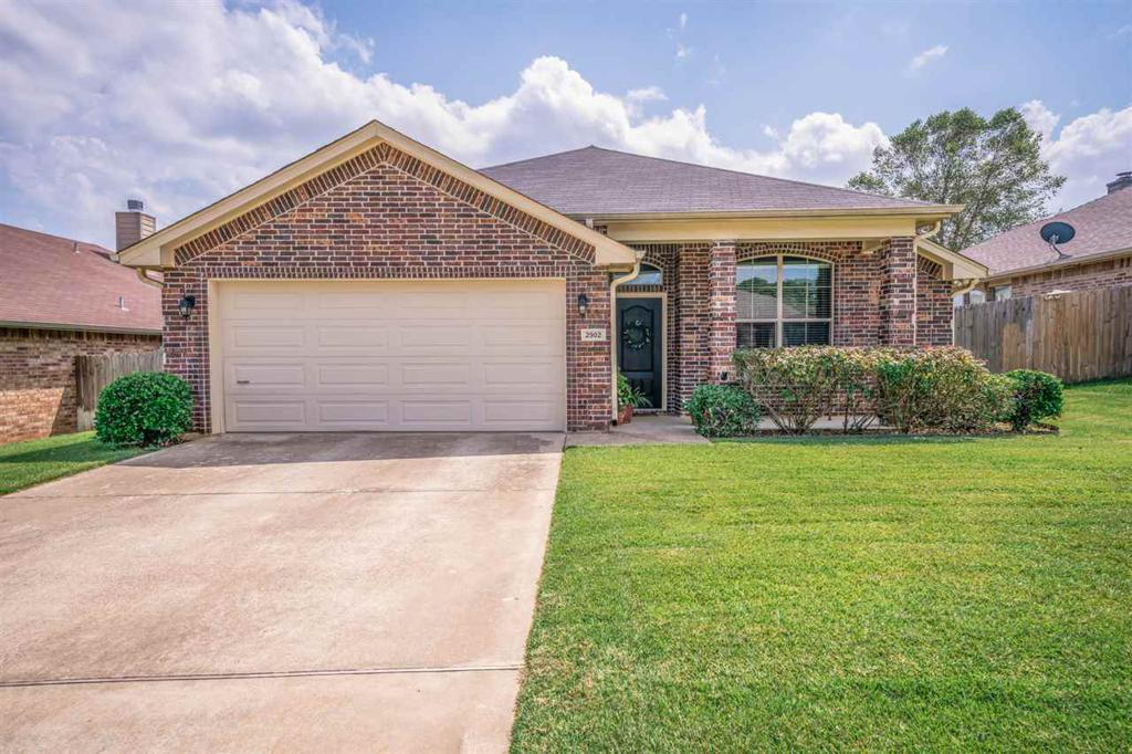 Photo of home for sale at 2902 San Jose Dr, Longview TX