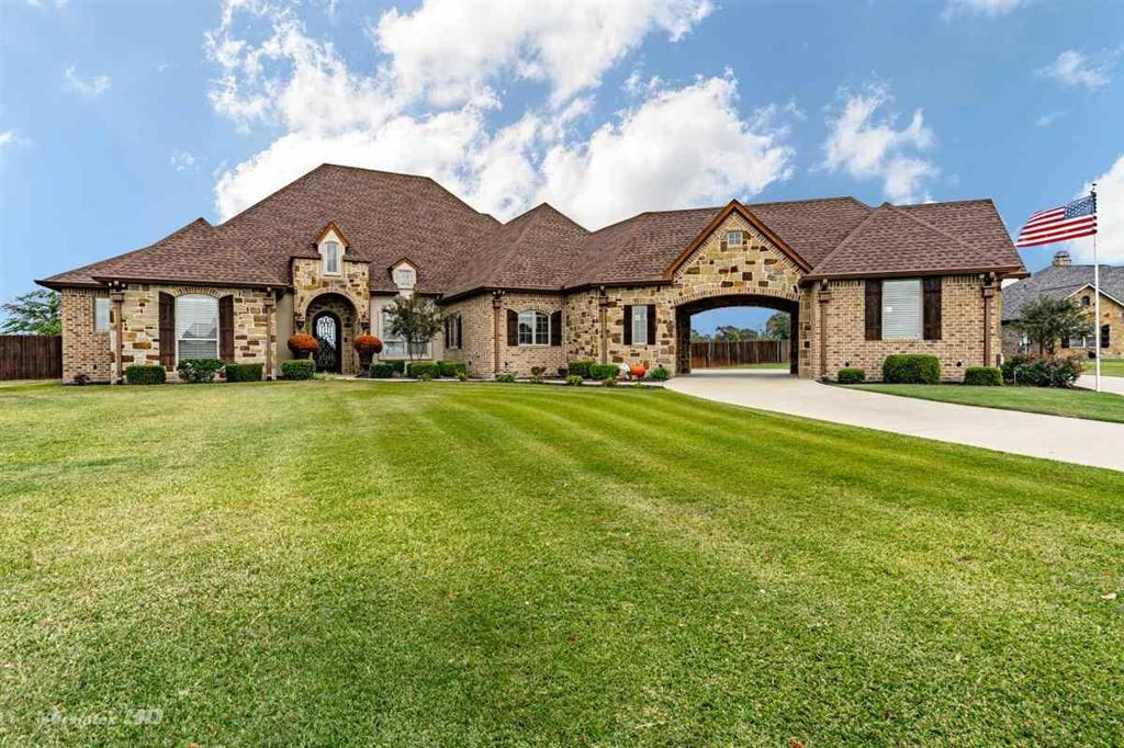 Photo of home for sale at 212 Clements Circle, Tatum TX