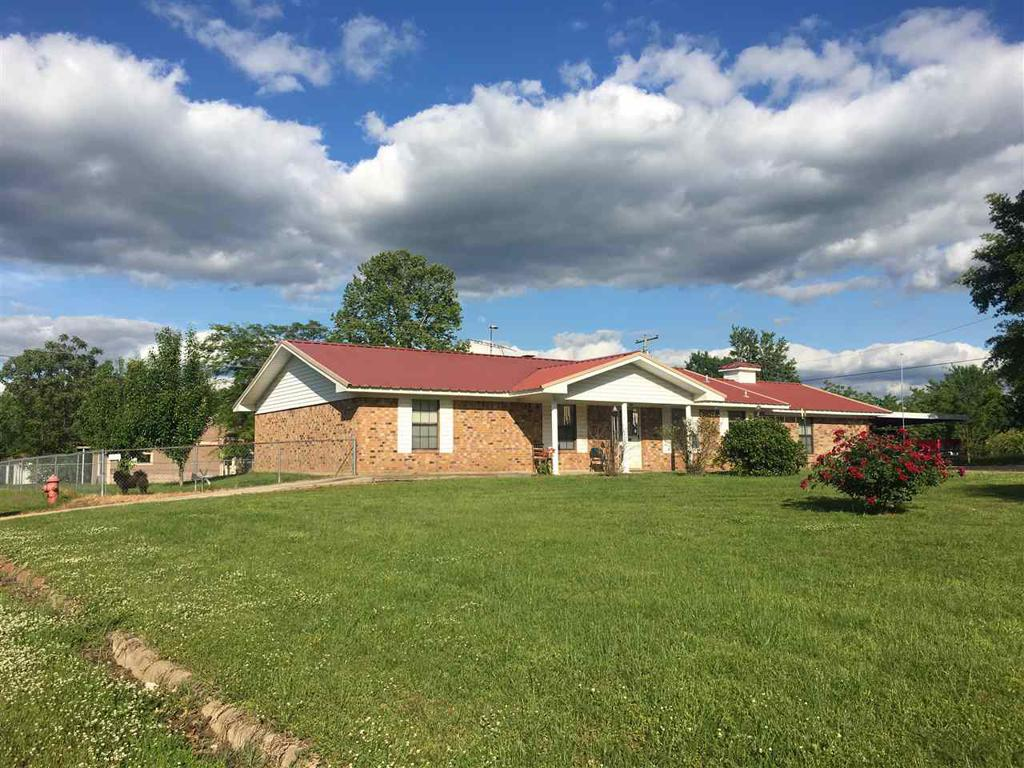 Photo of home for sale at 500 Main, Avinger TX