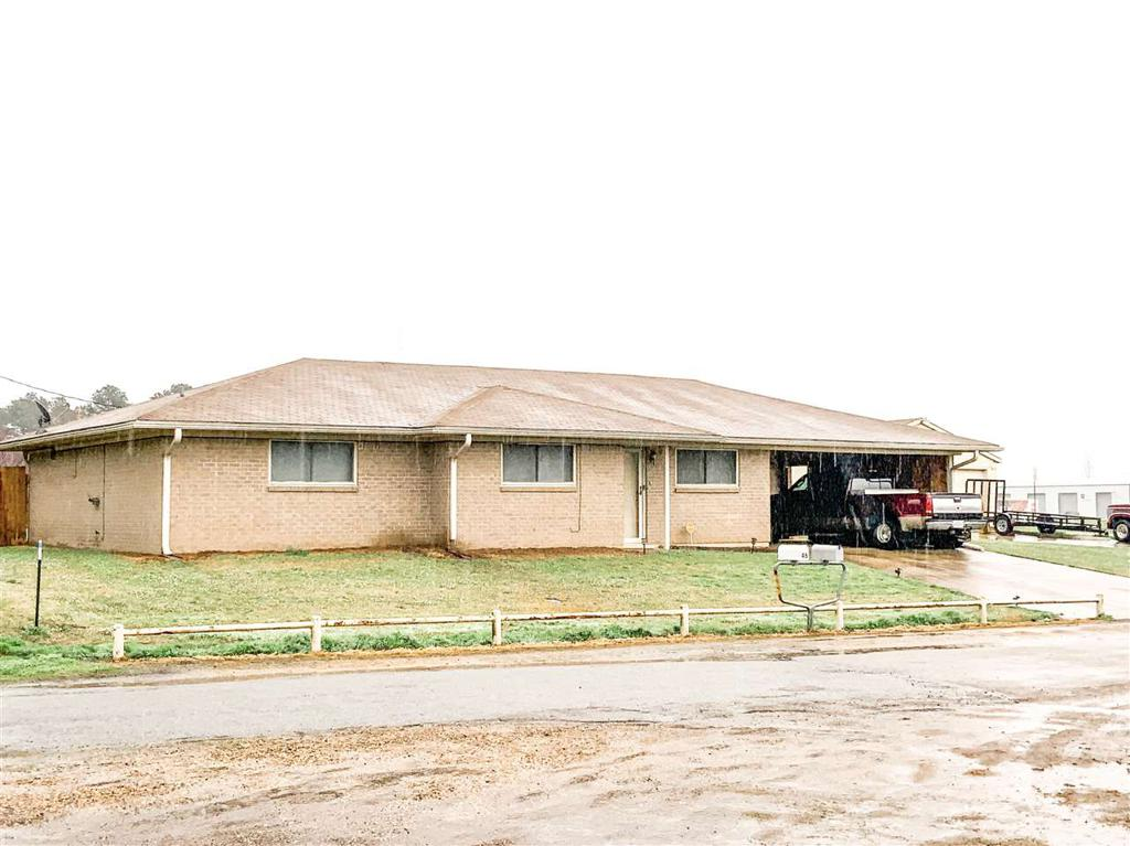 Photo of home for sale at 26 CR 1020, Mt Pleasant TX