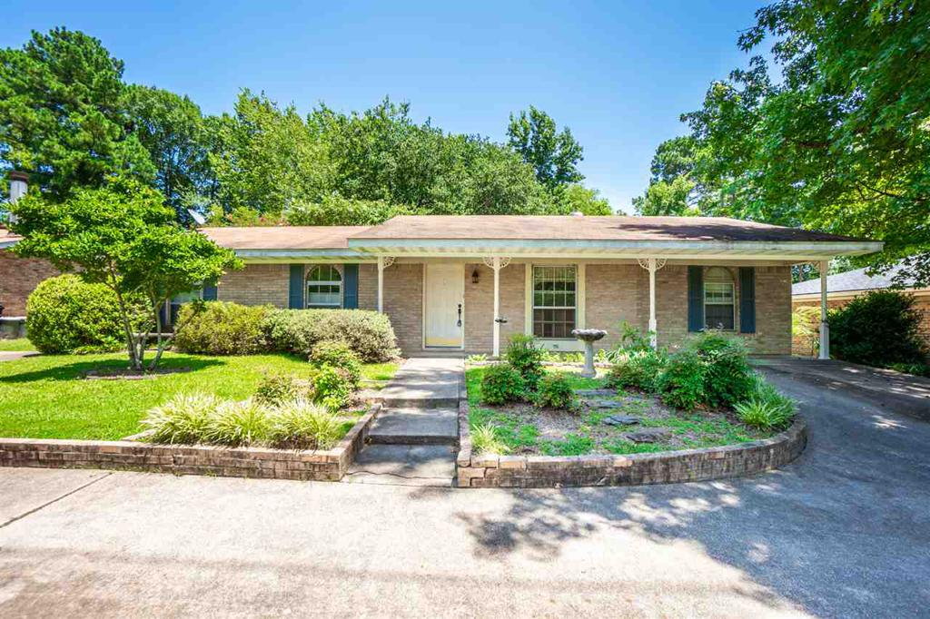 Photo of home for sale at 2318 Airline Road, Longview TX