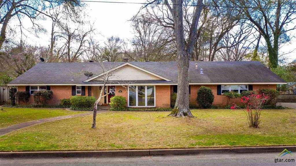 Photo of home for sale at 506 Fair Lane, Tyler TX