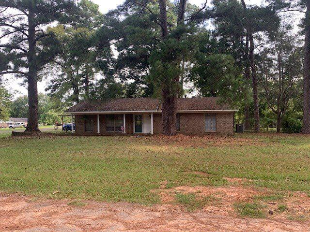 Photo of home for sale at 290 Carol St, Waskom TX