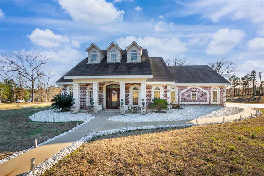 Photo of home for sale at 550 Lake Gladewater Rd, Gladewater TX