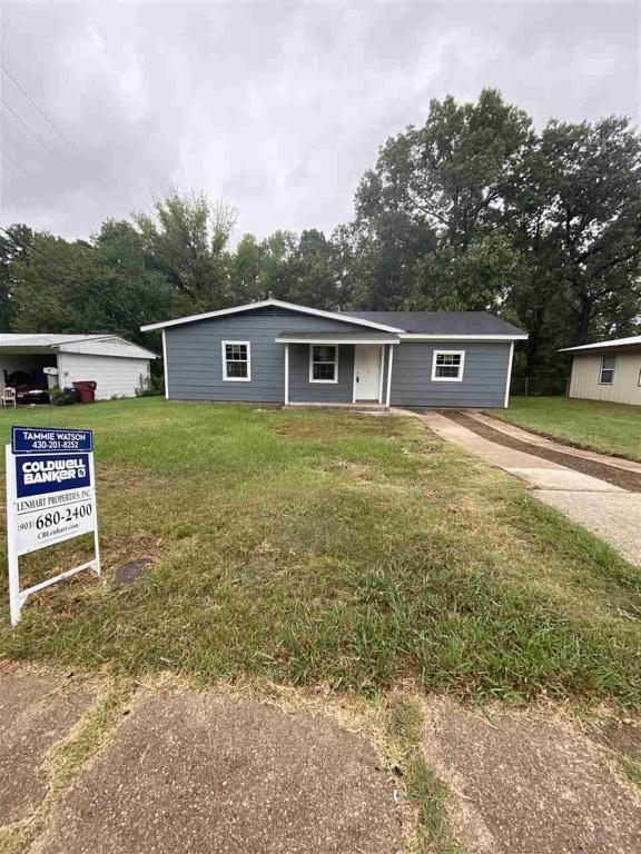 Photo of home for sale at 318 BYRNE, Lone Star TX