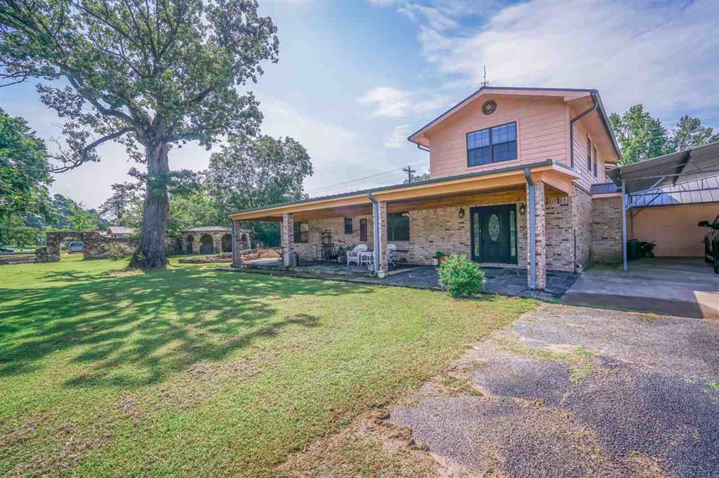 Photo of home for sale at 111 Cleerewoods Rd, Avinger TX