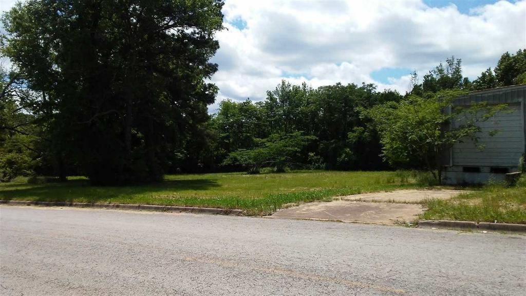 Photo of home for sale at 217 Marshall, Marshall TX