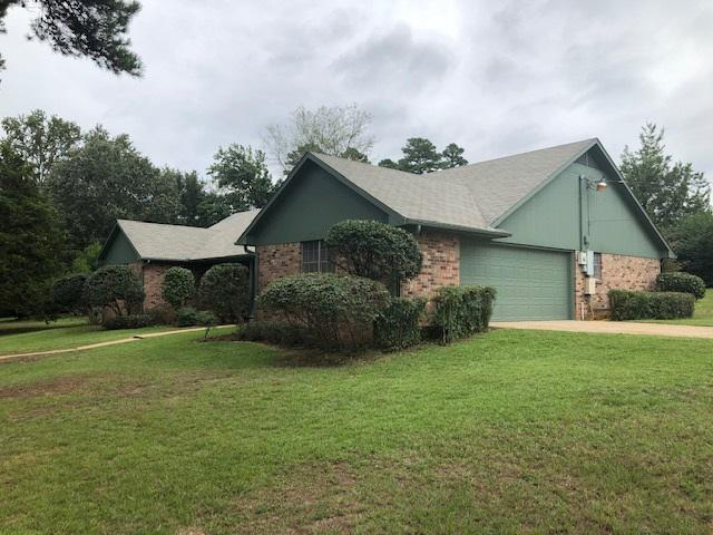 Photo of home for sale at 200 Hughes St., Marshall TX