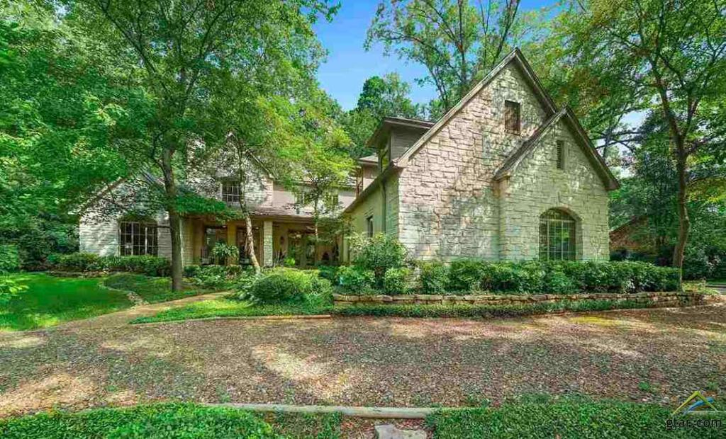 Photo of home for sale at 145 Golf Drive, Holly Lake Ranch TX