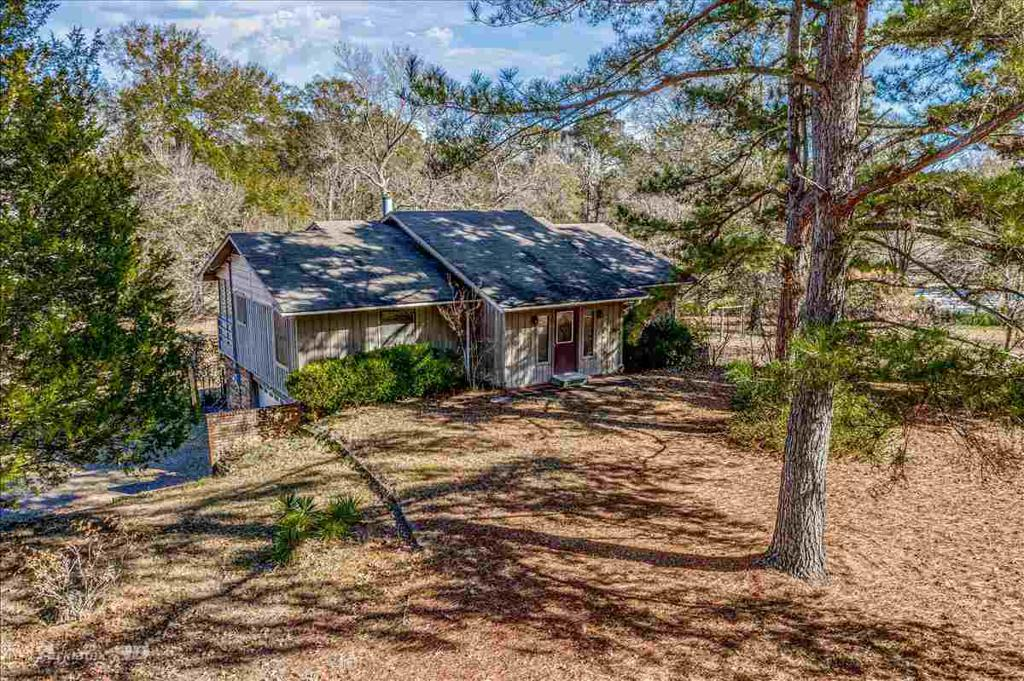 Photo of home for sale at 687 Fernbrook, Marshall TX