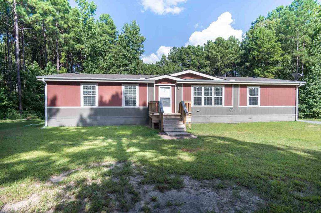 Photo of home for sale at 231 Private Road 3560, Hallsville TX