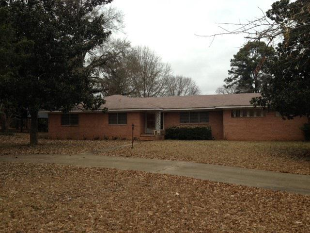 Photo of home for sale at 3521 Graystone Rd, Longview TX
