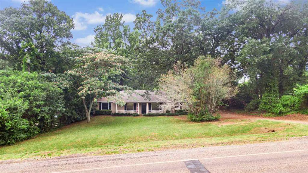 Photo of home for sale at 149 FM 2911, Big Sandy TX