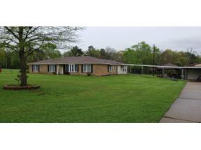 Property for sale at 506 Hitching Post Ln, Longview,  Texas 75604