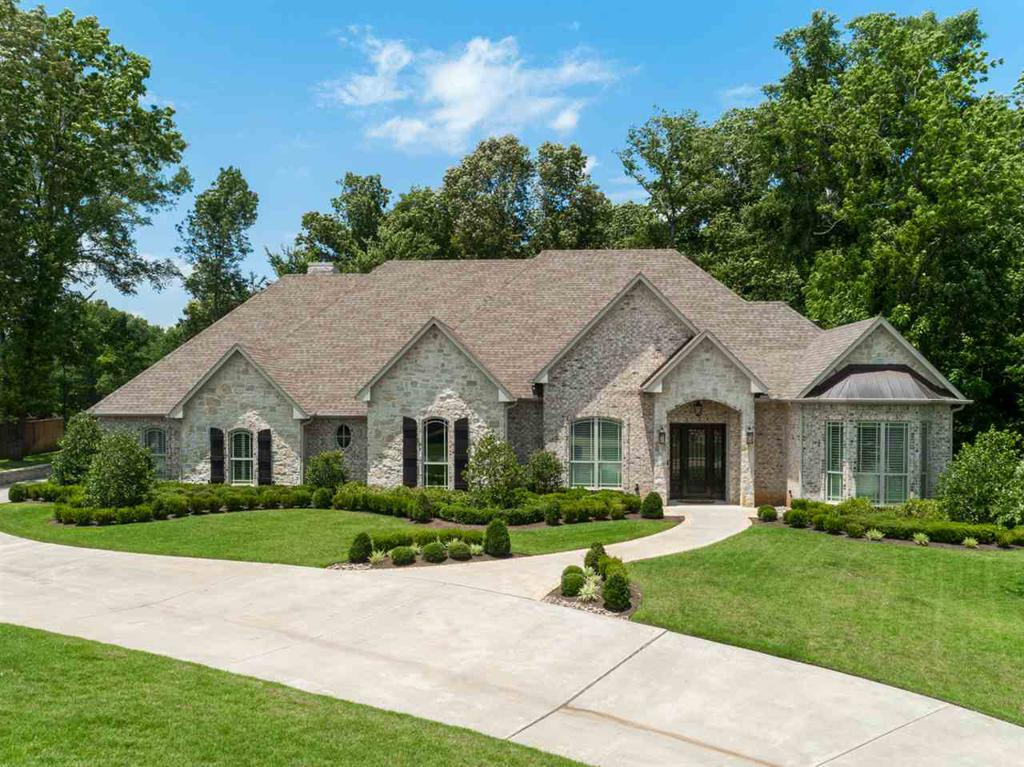 Photo of home for sale at 1005 Masters Way, Longview TX