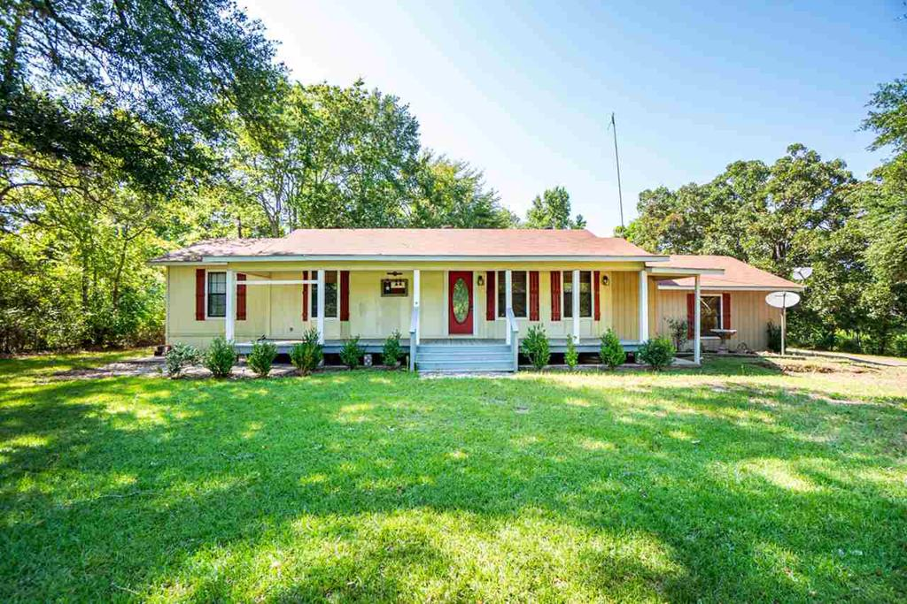 Photo of home for sale at 20609 US HWY 271, Winona TX