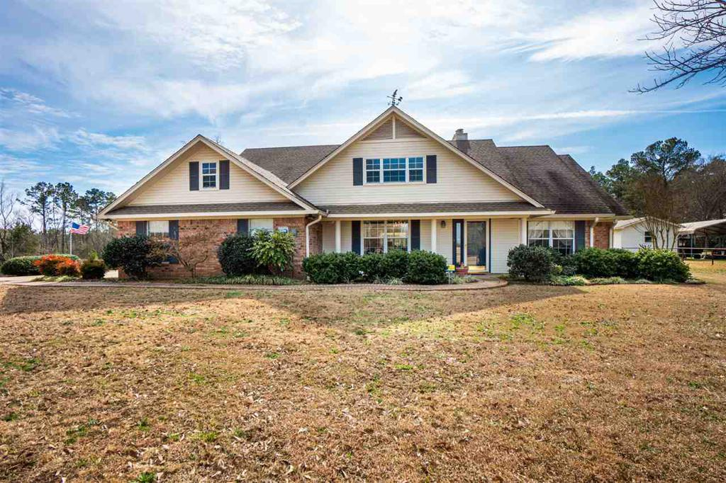 Photo of home for sale at 725 Mont Hall, Hallsville TX