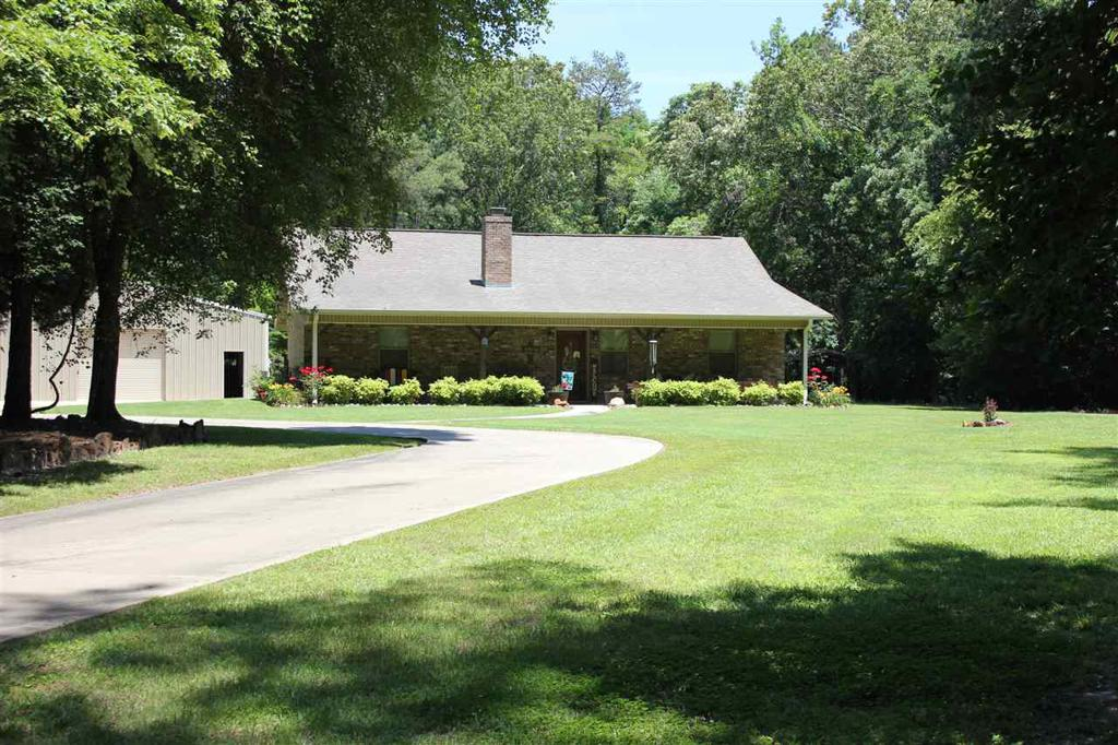 Photo of home for sale at 309 County Road 4672, Atlanta TX
