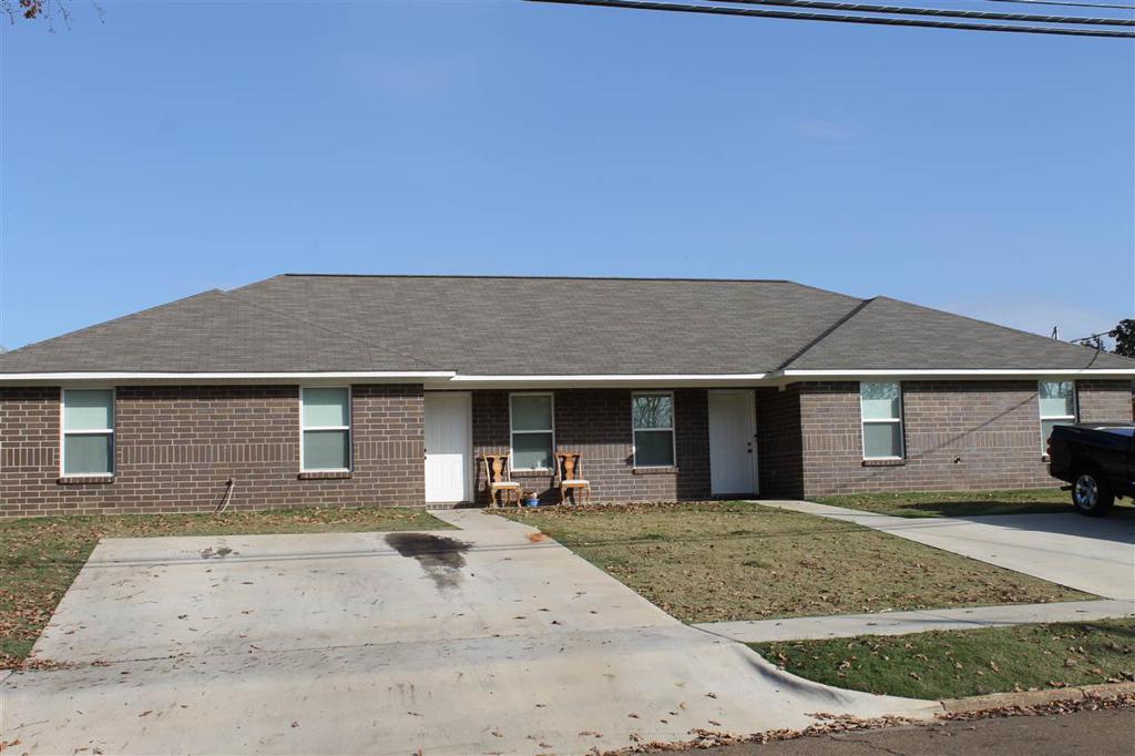 Photo of home for sale at 1202-1204 FERGUSON, Texarkana AR