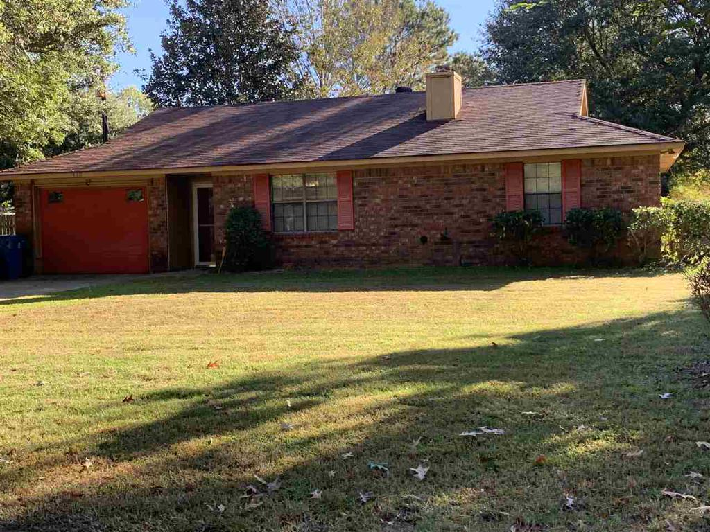 Photo of home for sale at 410 Lake St, Waskom TX