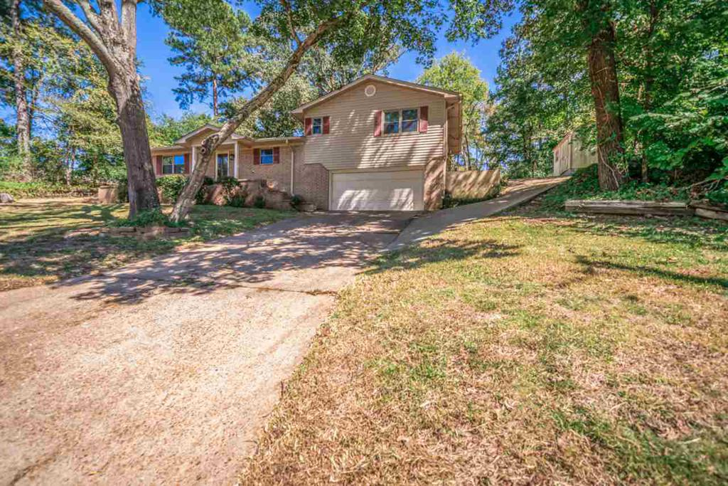 Photo of home for sale at 1310 Princeton Ave., Longview TX