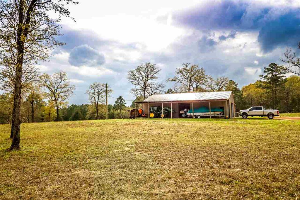 Photo of home for sale at 1311 Oscar Ragon Rd, Harleton TX