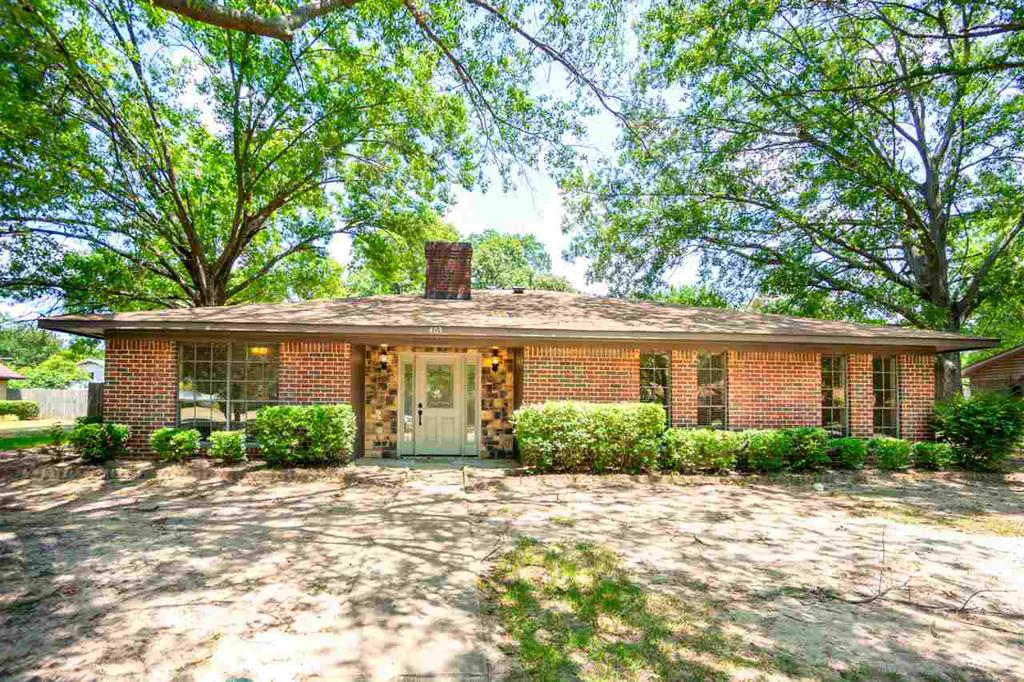 Photo of home for sale at 403 Southgate, Mt. Pleasant TX