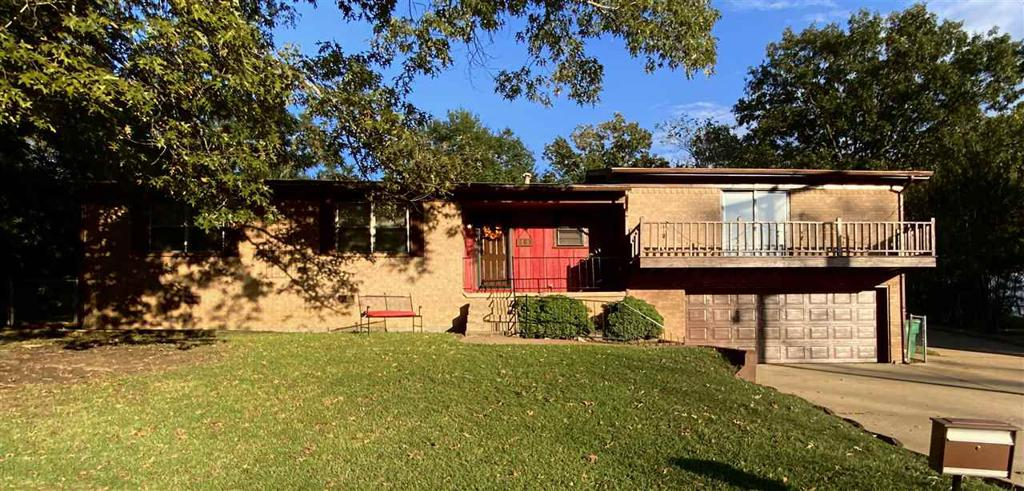 Photo of home for sale at 103 Alberta Ave, Henderson TX