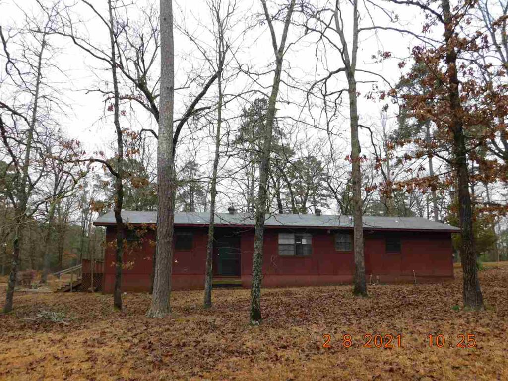 Photo of home for sale at 130 CR 1549, Avinger TX