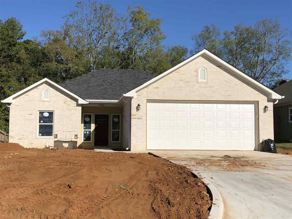 Photo of home for sale at 1308 Frankie, Longview TX