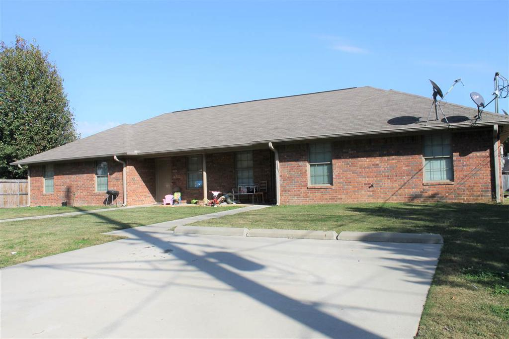 Photo of home for sale at 2420-2422 JEFFERSON, Texarkana AR