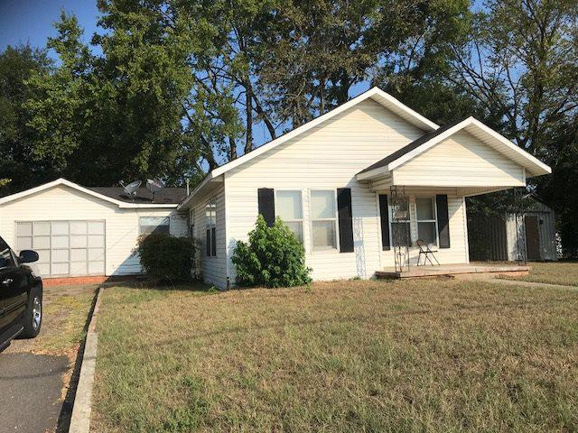 Photo of home for sale at 1909 Silver Falls Rd, Longview TX