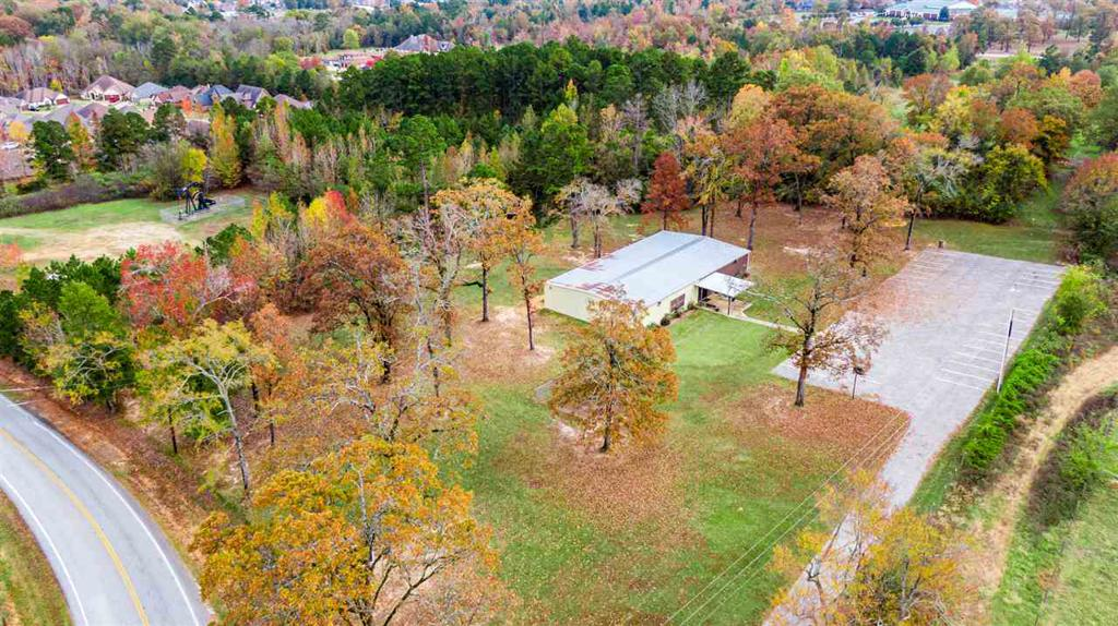 Photo of home for sale at 1300 Spring Hill Rd, Longview TX