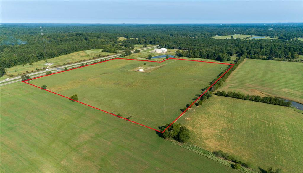 Photo of home for sale at TBD 34.5 ACRES US 259, Overton TX