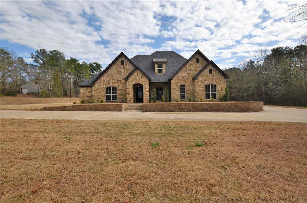 Photo of home for sale at 20647 Hickory Lane, Whitehouse TX