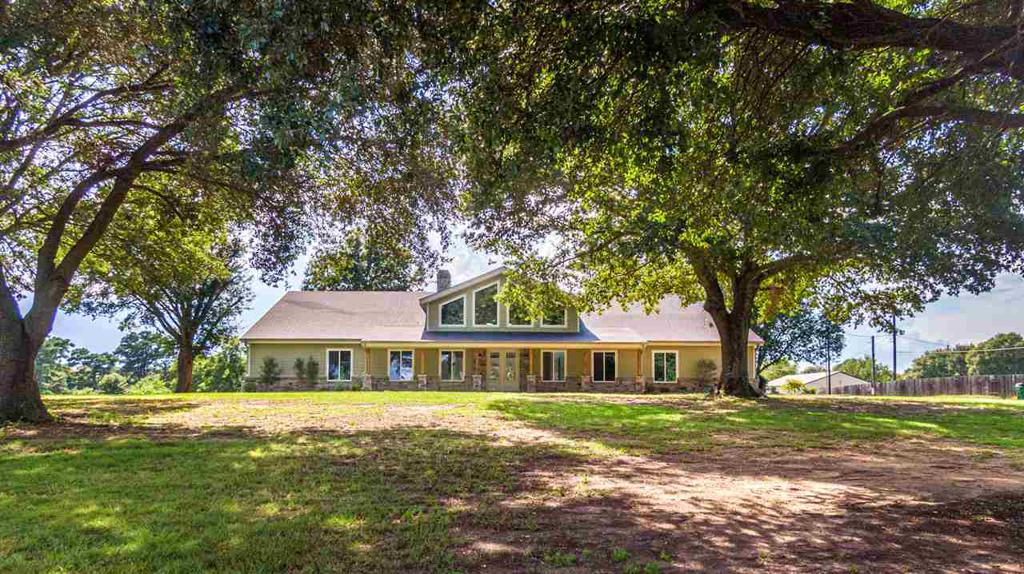 Photo of home for sale at 2375 Sandy Lane, Longview TX