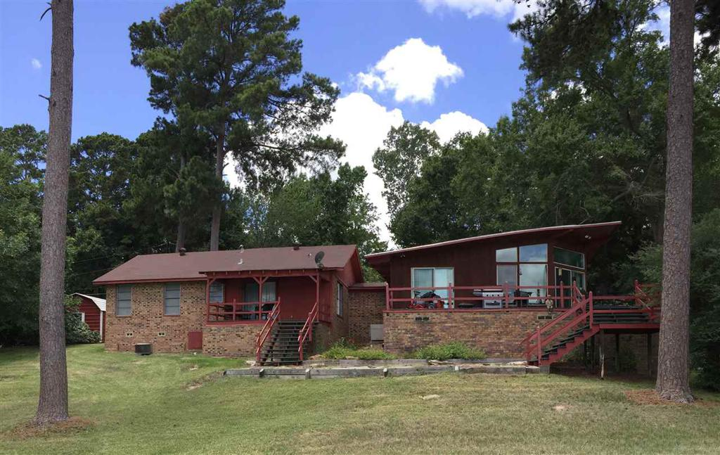Photo of home for sale at 161 CR 1741, Carthage TX