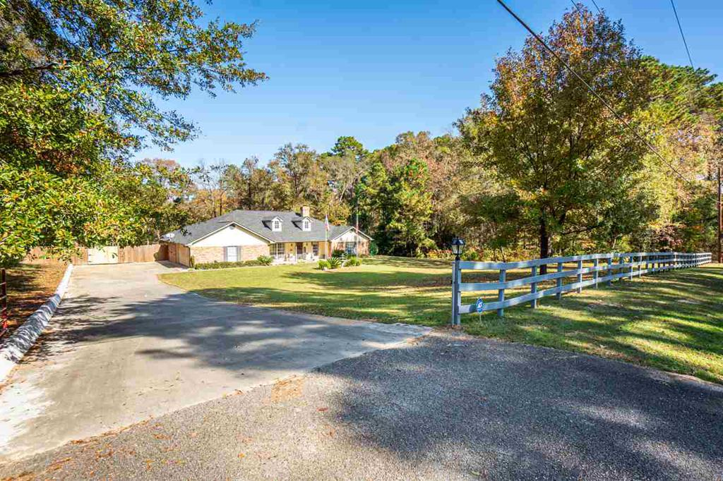 Photo of home for sale at 194 Cedar Springs Rd, Longview TX