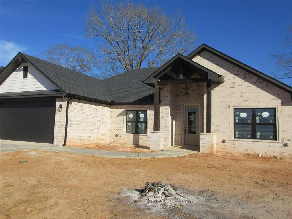 Photo of home for sale at 152 Teal Ln, Hallsville TX