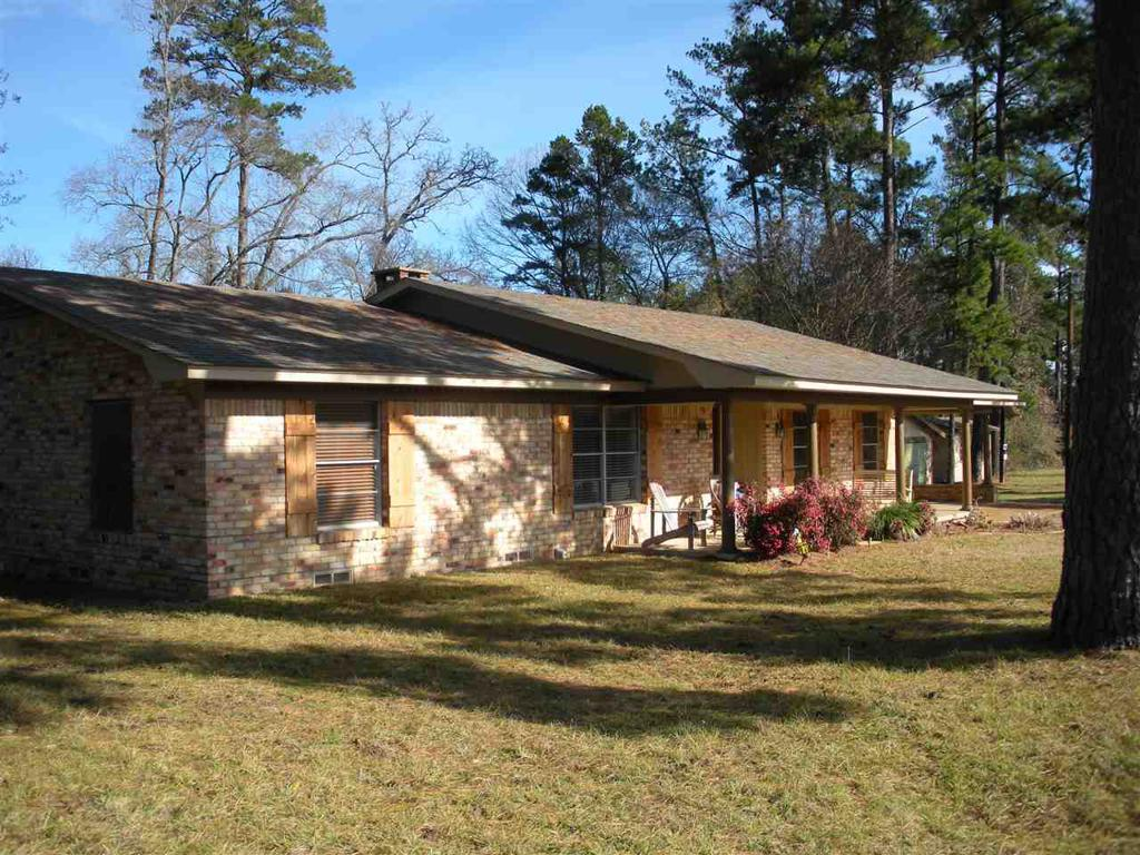 Photo of home for sale at 10186 State Hwy 155 S., Big Sandy TX