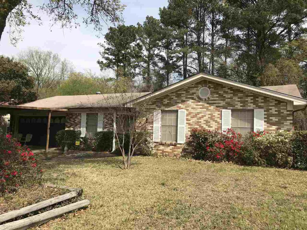 Photo of home for sale at 1004 Berry Lane, Longview TX