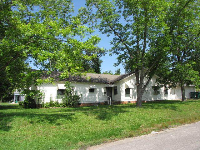 Photo of home for sale at 201 Travis, Henderson TX