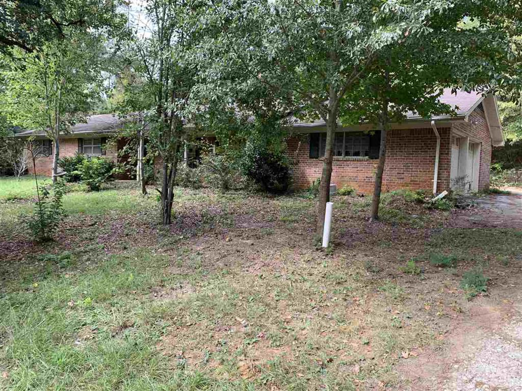 Photo of home for sale at 1625 Marshall, Henderson TX